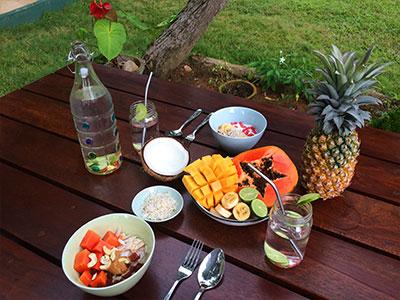 meals at surf school sri lanka