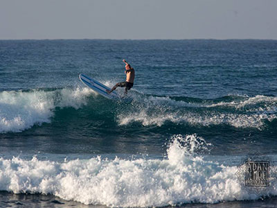 off the lip - great waves to improve your surfing in sri lanka