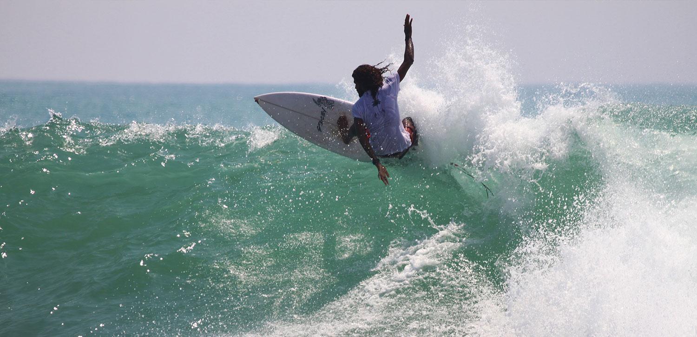 sri lankan surf courses