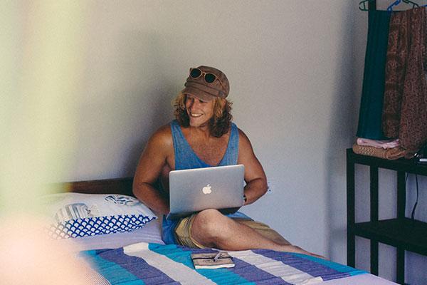 mellow hostel wifi working